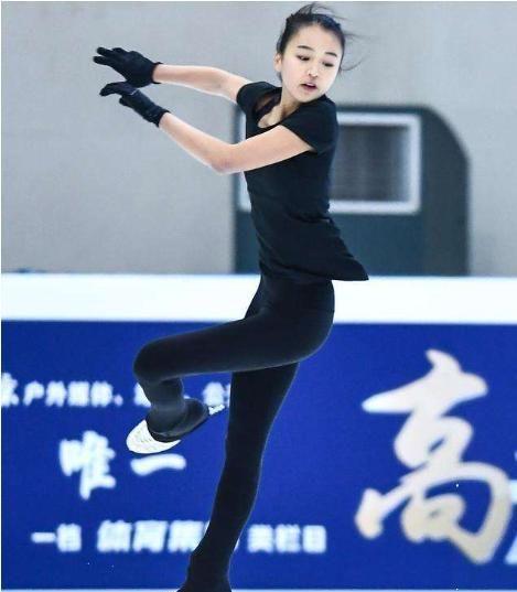 她是美国花滑冠军,自愿加入中国籍,17岁想夺奥运冠军
