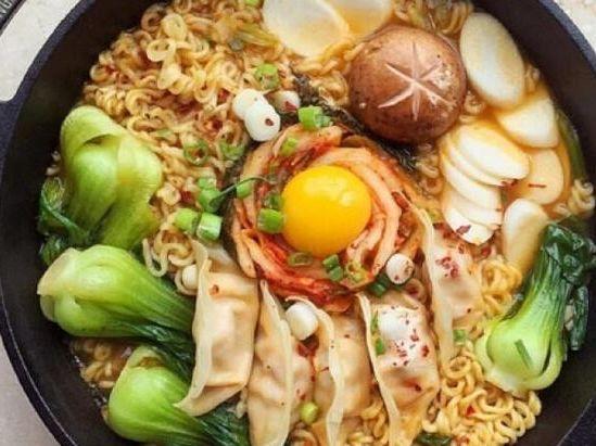 心理学:假如你饿了,你会选哪份美食吃,测你最近有什么好运降临