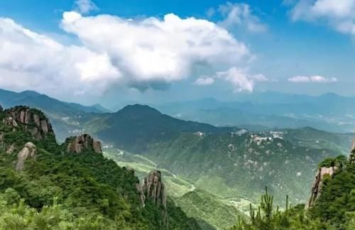 """""""世界第一""""地藏菩萨佛像,耗资15亿打造重约一千吨,就在九华山"""