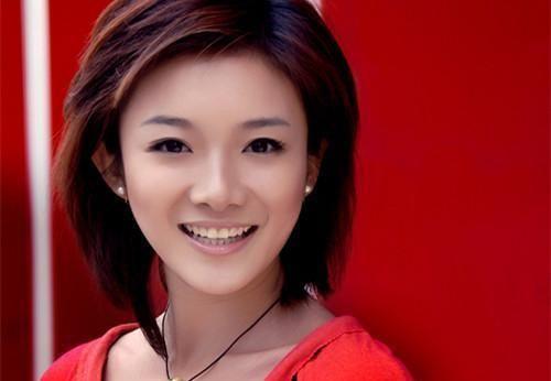 33岁蔡紫获文艺类冠军,身为6岁孩子妈妈,她为何被称董卿接班人