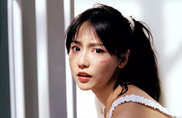 爱情公寓5:诸葛大力让闺蜜给她化妆,涂完口红那刻,又被圈粉了