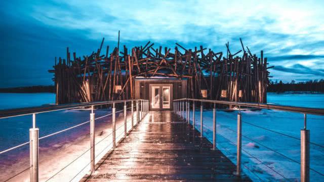 瑞典北极圈内建汗蒸设施:全木打造,冰块之间漂浮感受热气腾腾