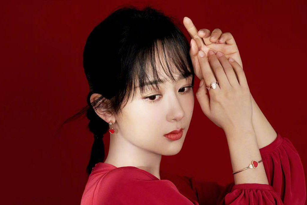 杨紫婚纱造型被吐槽,网友:这p的这么狠,不能活的真实点吗?