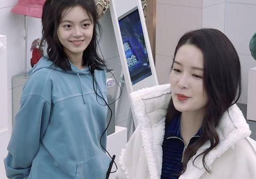 潮流合伙人:李沁享有最低折扣,谁注意到baby的表情?很真实