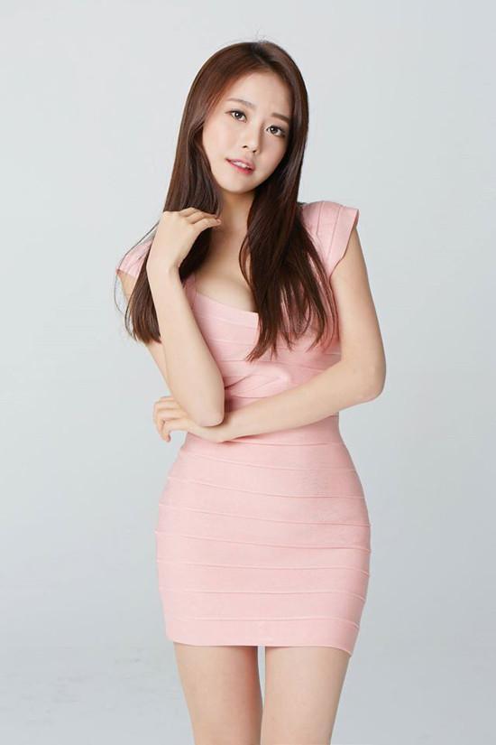 清新凉爽的短裙, 精致感十足, 演绎不一样的时尚潮流