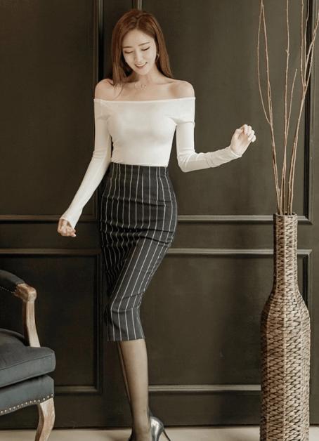 黑色包臀连衣裙搭配_黑丝袜搭配高跟鞋, 加上包臀裙就完美了。