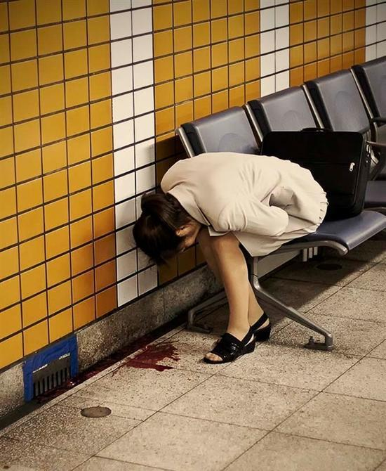日本女空间_日本地铁里面的\