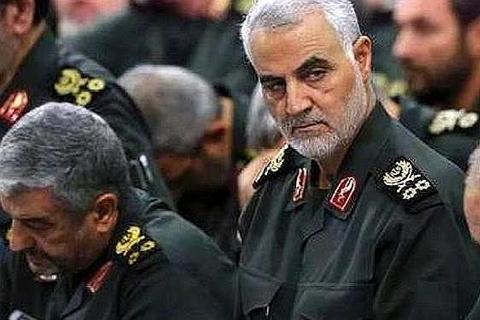 美国到底为何要炸死伊朗的苏莱曼尼呢?