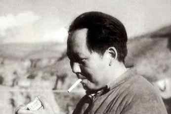 苏联一位元帅见毛主席时说了一番话,主席听后开始戒烟