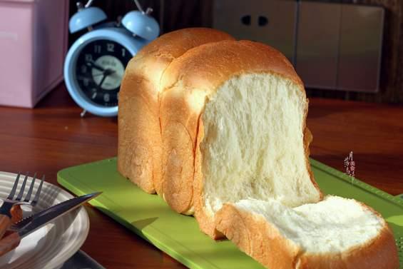 老婆做面包也偷懒,面团不发酵,第二天还柔软拉丝,开心到大笑