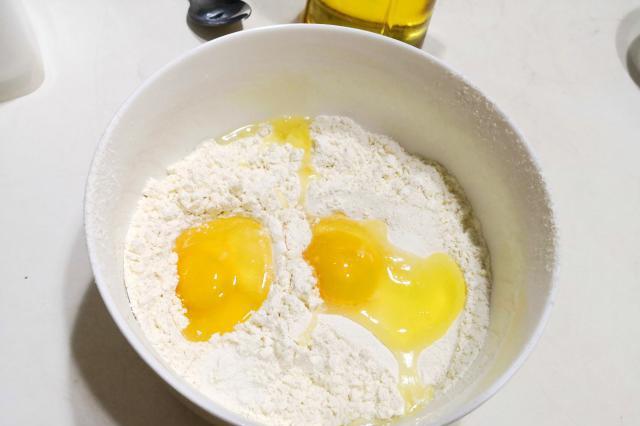 小米酸奶松饼|懒人早餐食谱:快手简单0难度,松软可口真香甜!