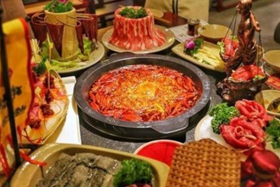 """吃火锅时,服务员不断询问""""要不要加汤""""其实有其用意,你知道吗"""