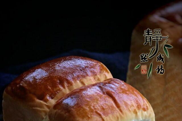 超柔软的吐司,在家就能做,比面包房的还好吃,关键没添加