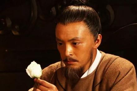 唐朝一个奸臣声名狼藉,杜甫为什么写诗赞美他