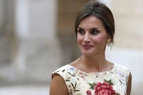 西班牙王后穿旗袍惊艳全场,约旦王后,凯特王妃,英拉都穿中国风