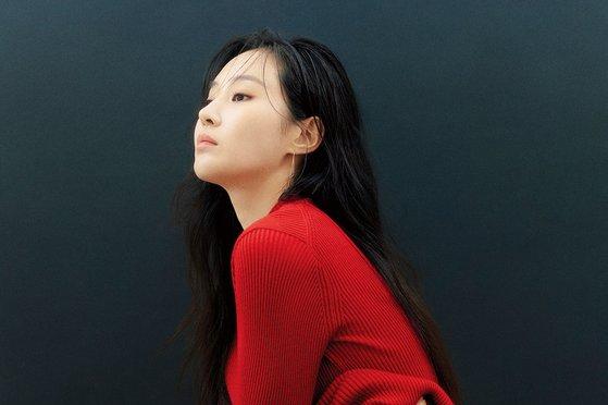 韩国女艺人权侑莉最新《allure》杂志写真曝光