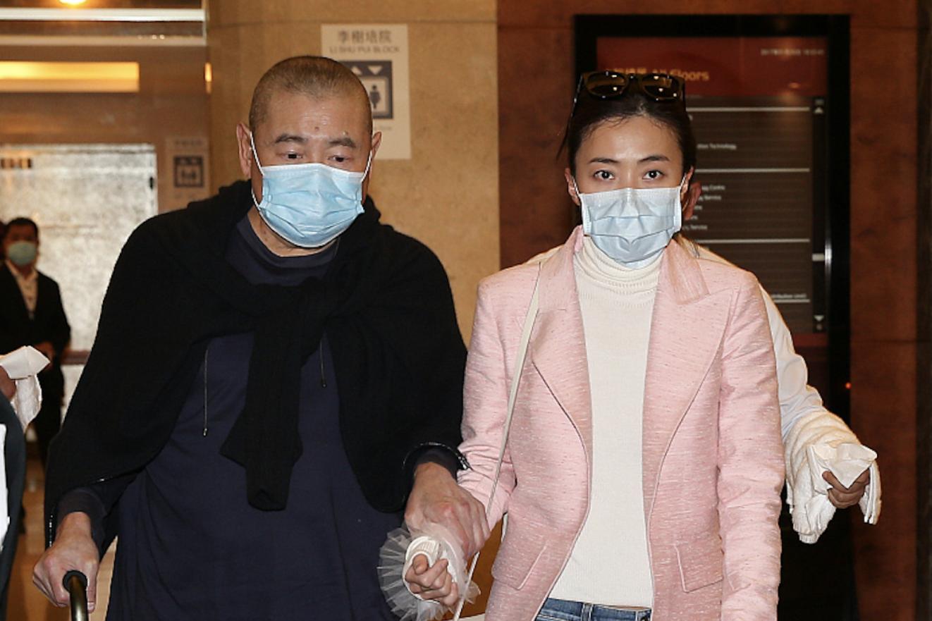 刘銮雄捐赠200万给肾基金会,甘比重提大刘患肾病,曾花三亿换肾