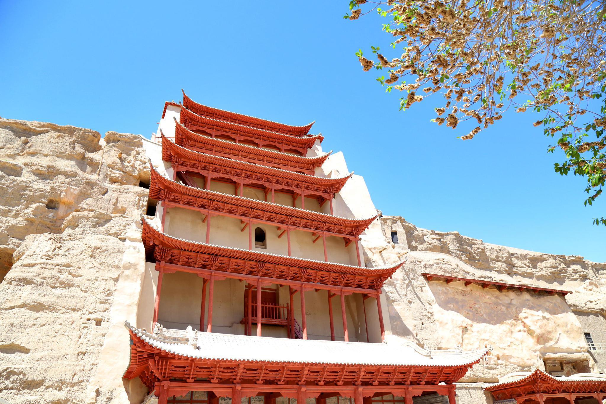 这条历经2000多年的古道,是大国梦想的起源,是是世界文化交汇地