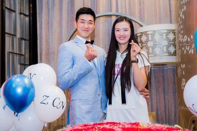 张常宁自嘲英年早婚,生涯低谷期遇真爱,与吴冠希异地恋像网友