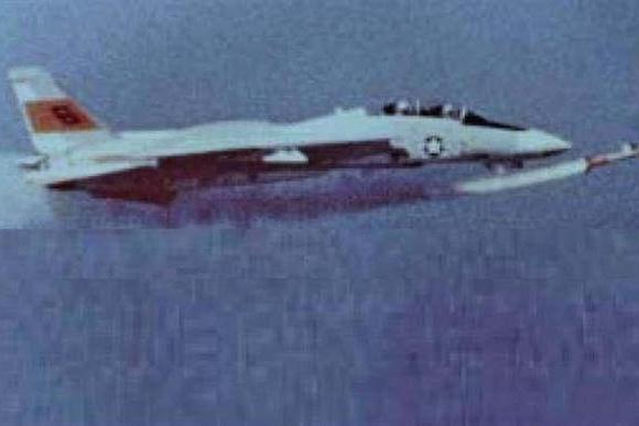 美国空军最离奇的飞行事故 战机被自己射出的炮弹击落