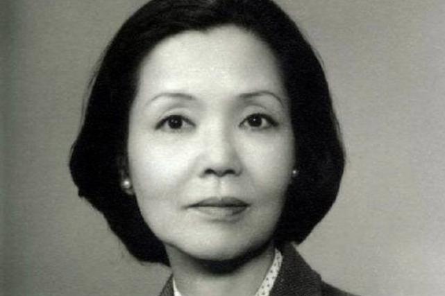 日本知名女星去世,曾唱中国国歌声援抗疫,是国外首位白毛女演员