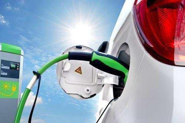 国家储备投放降温大宗商品,国内锂电池市场有望加速
