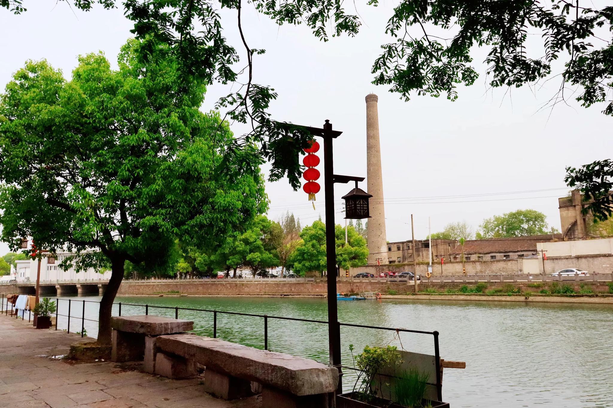 宁波光溪河畔有个古村,风景如画,古桥横卧,现为鄞江畔美丽乡村