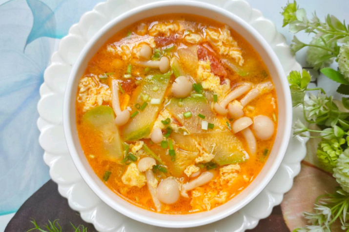 酸甜开胃的番茄西葫芦蛋花汤,营养好喝,10分钟就能搞定