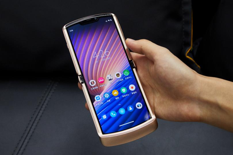 摩托罗拉Razr 5G体验:用了大半年的折叠手机,现在还好吗?