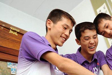 山东三胞胎同时考入211高校,10年后同日入洞房,还打算同日生娃