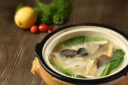 卤菜味道好,卤汁熬制很重要,学会8种卤味汤,下饭的卤菜不重样