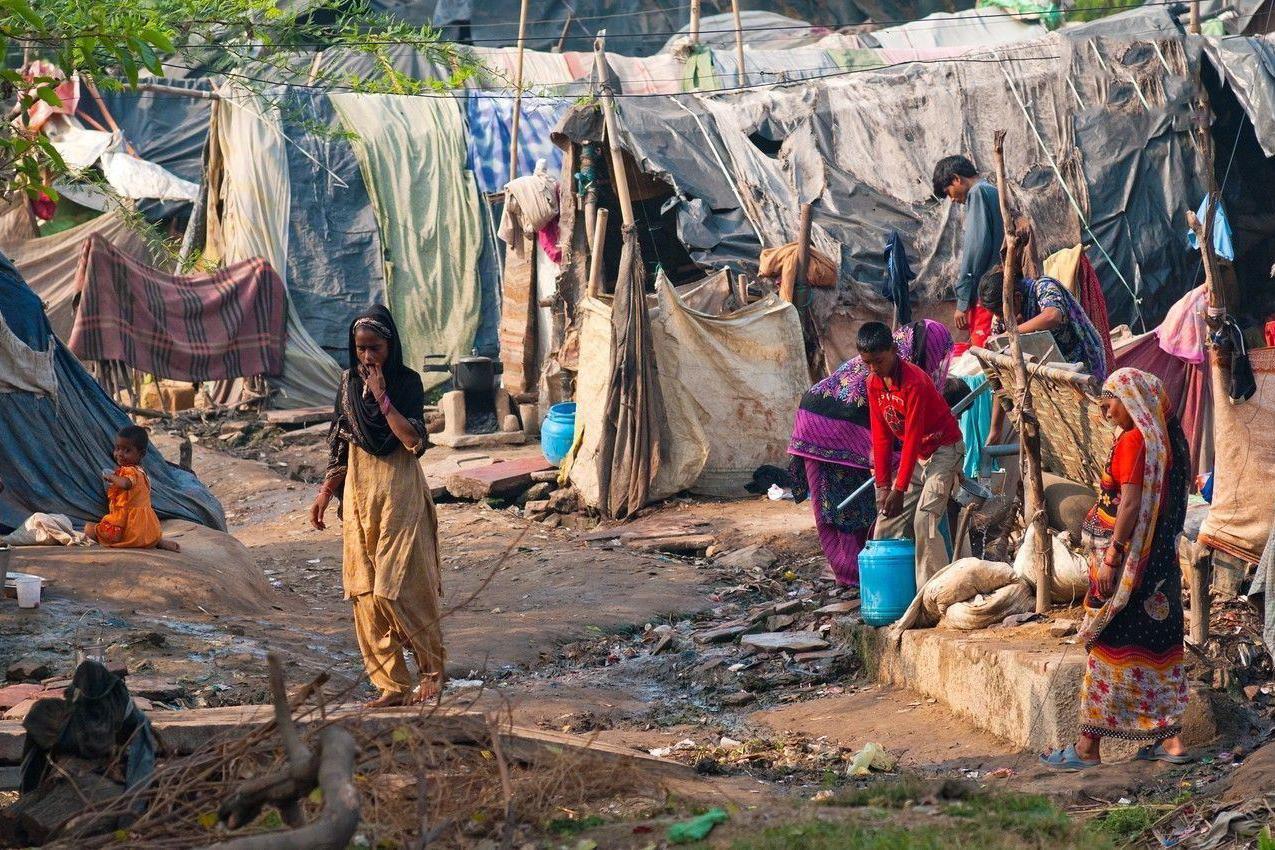 疫情快速扩散,食品价格大涨,印度大量贫困人口每天仅吃一顿饭