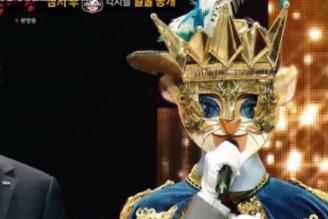 《蒙面歌王》灶台小猫七连胜卫冕成功,演唱已故钟铉名曲惹哭观众