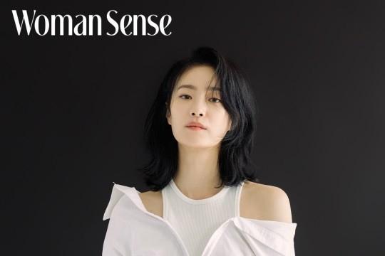 tvN电视剧《我的》女演员玉子妍拍杂志写真