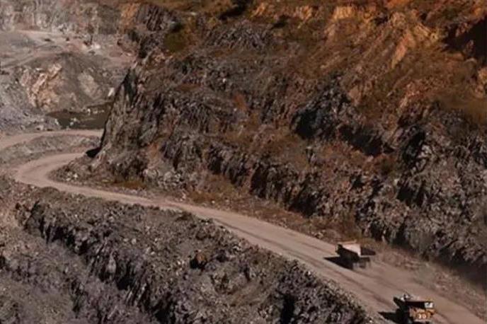 用剧毒物质生产的金鑫矿业事故多,能否成标杆?
