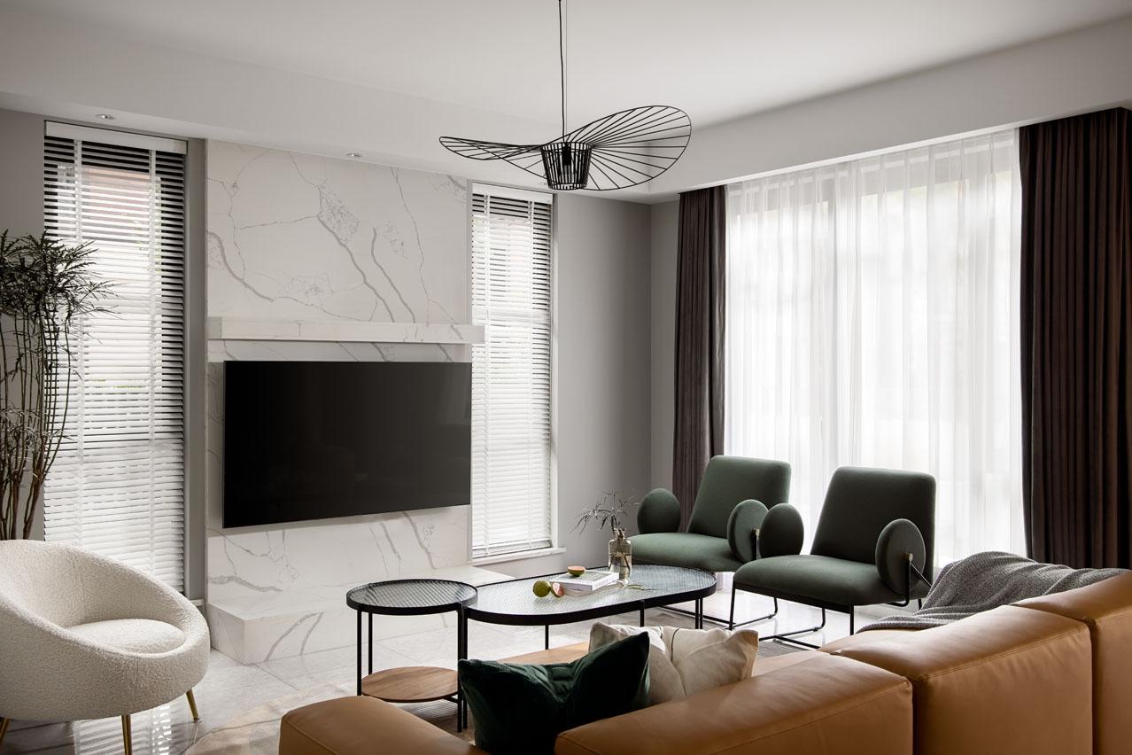 游科作品:260㎡四层五居室,高级灰+沉稳棕,有格调的质感生活