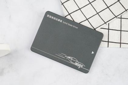 花小钱也能带来大满足 aigo国民好物固态硬盘S500让旧电脑重生!