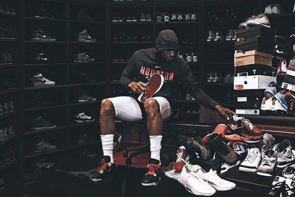 【体育新闻报】鞋王PJ Tucker半季球鞋总价超过三百万