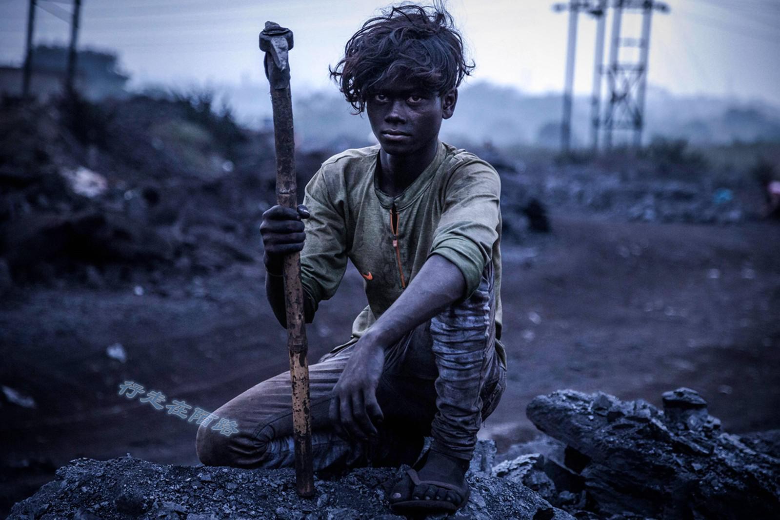 《印度的黑色诅咒》:10万人无家可归,人均寿命低于52岁