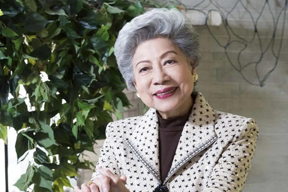 香港最吓人的女人:一生无人敢娶,却被刘德华视为亲人