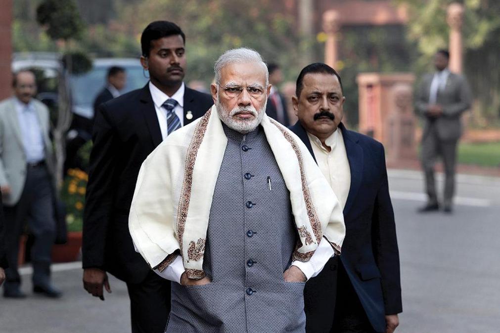 印度在美俄之间摇摆不定,普京拜登都讨好,莫迪到底咋想的?