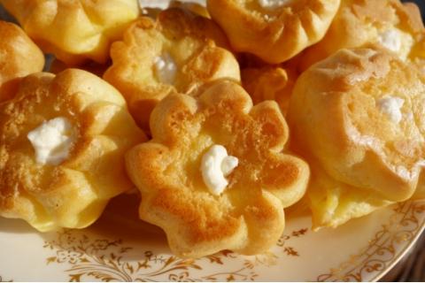 一次就成功的奶油泡芙,奶香浓郁外皮酥脆,直击味蕾,快来试试吧