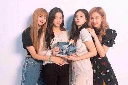韩国女团BlackPink宣布不再接受粉丝礼物,除信外,明星都该学学