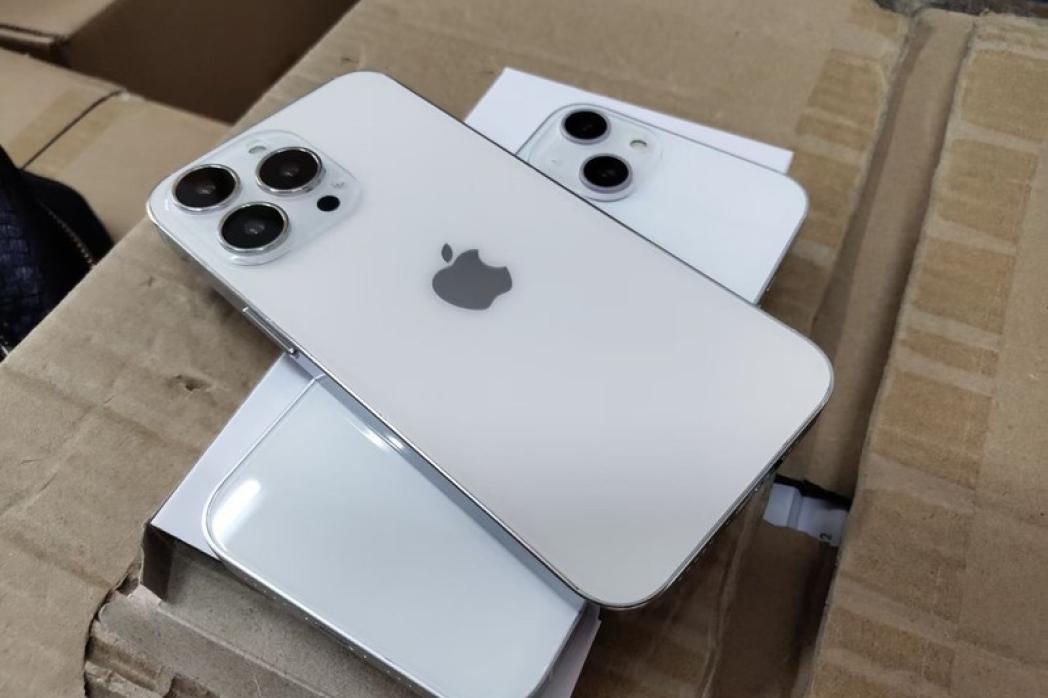 """iPhone 13发布在即,富士康面临两大难题,迁出中国的""""代价""""!"""