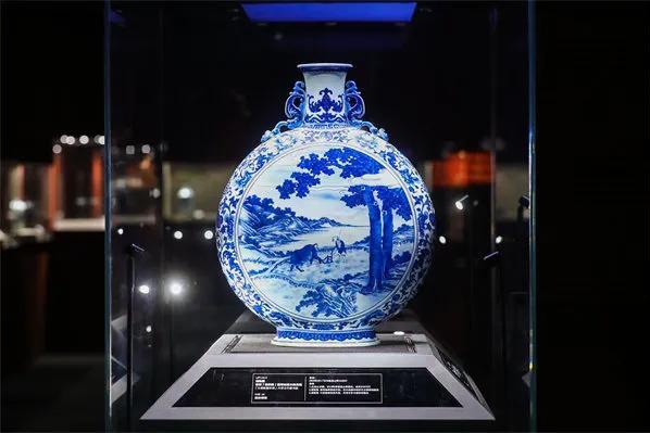 名家巨帙 石渠重宝 帝王御器 华艺国际北京春拍正式启幕