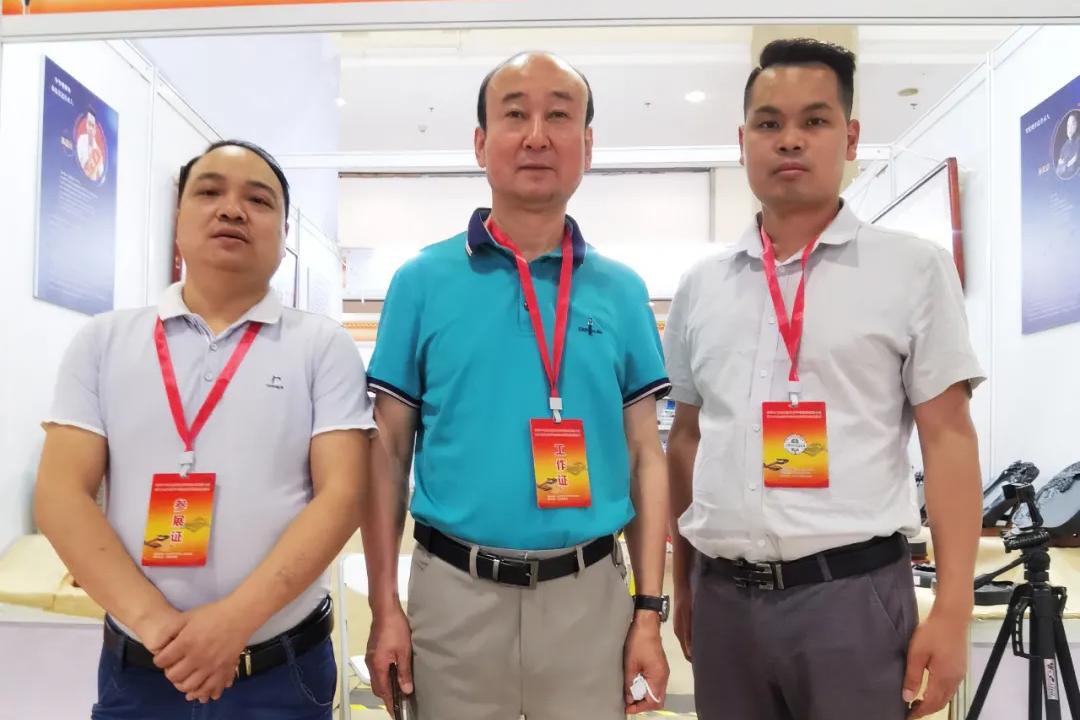 朱国彬代表玉山罗纹砚,参加全国文房四宝艺博会