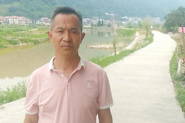 刘立新:三十五年教育路,三尺讲台献青春