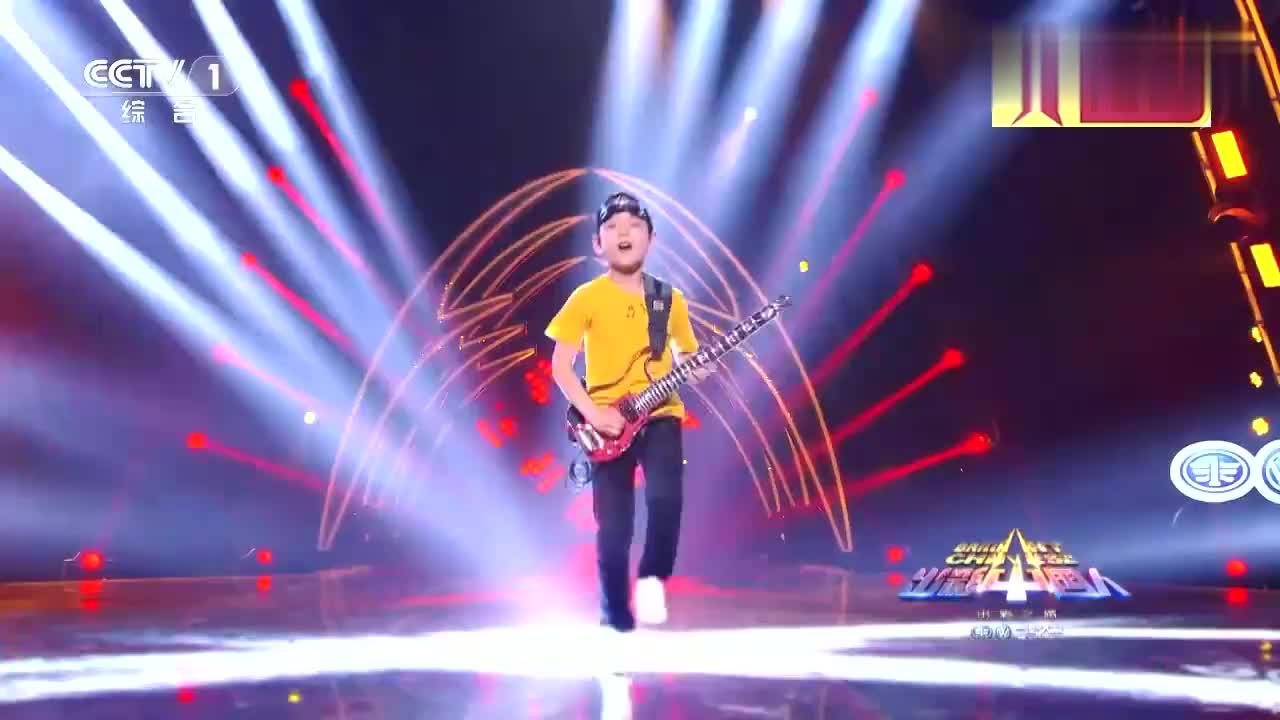 出彩中国人:9岁温州少年出彩舞台,超高速吉他演奏,震惊全场