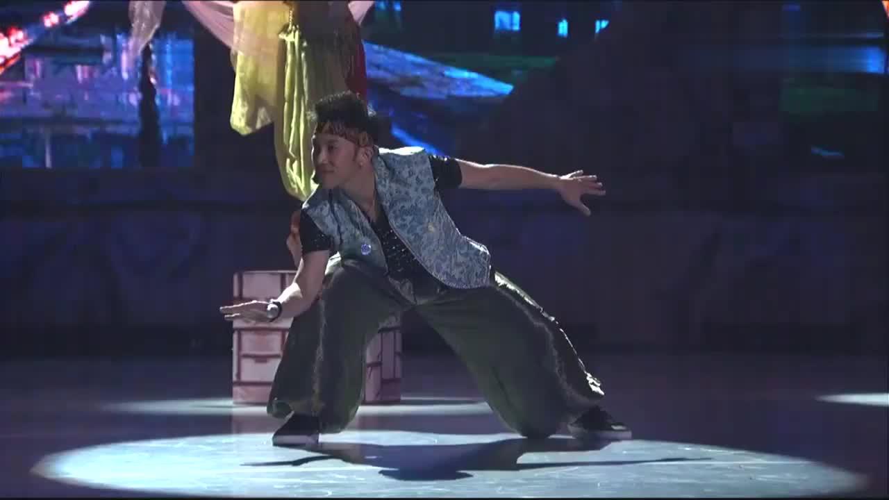 中国好舞蹈:香港舞蹈训练营学员,精彩街舞表演,逗乐郭富城