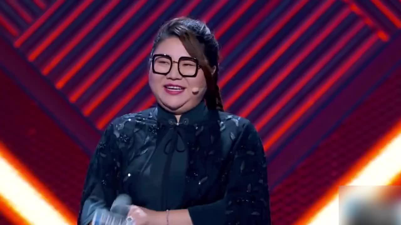 《脱口秀大会3》杨天真现场劈叉,好精彩啊,哈哈哈